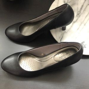 Lifestride little black heels